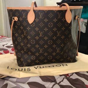 Louis Vuitton handbag 👜